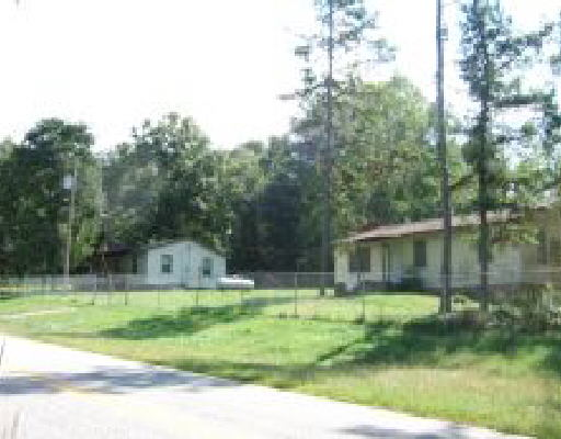 Photo of home for sale at 2737 Walters Rd, Lavonia GA