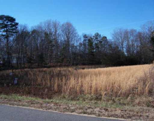 Photo of home for sale at 0 New Hope Rd, Hartwell GA