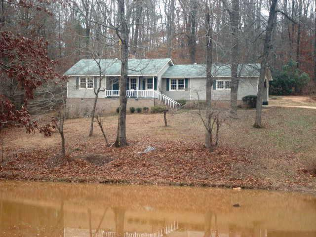 Photo of home for sale at 2638 Triune Mill Rd, Thomaston GA