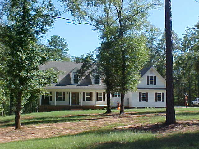 Photo of home for sale at 370 Baker Britt Rd, Thomaston GA