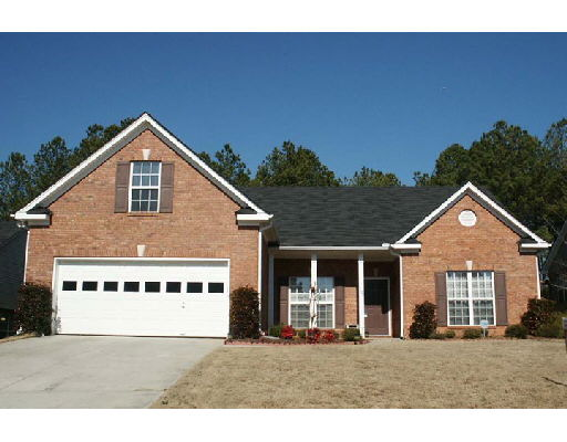 Photo of home for sale at 1190 Chandler Ridge Dr, Lawrenceville GA