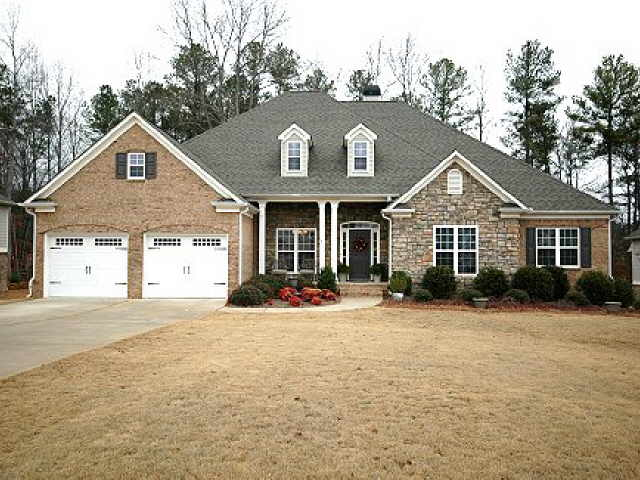Photo of home for sale at 1326 Tamarack Lakes Dr, Powder Springs GA
