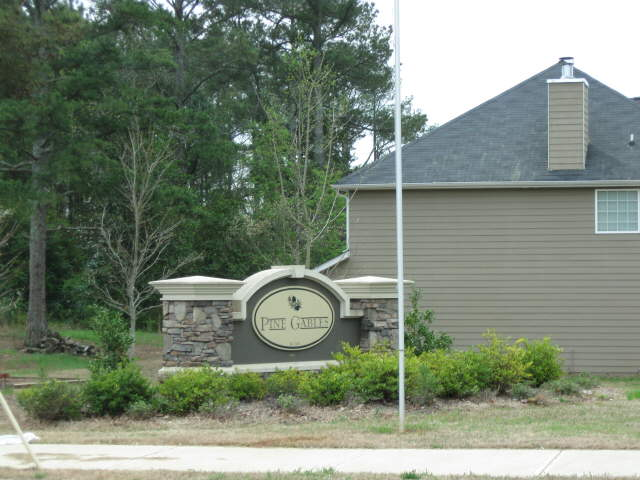 Photo of home for sale at 7610 Pine Gables Dr, Riverdale GA