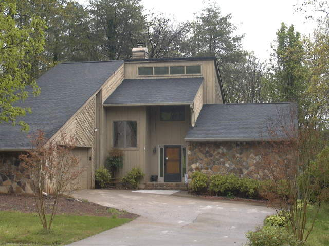 Photo of home for sale at 25 Cumberland Dr, Rome GA