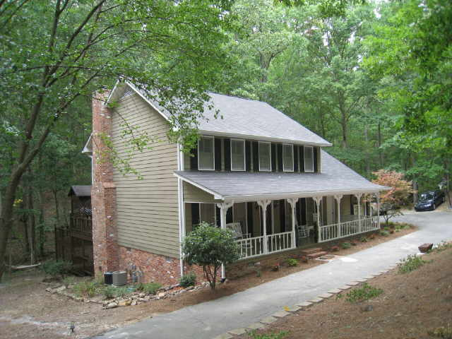 Photo of home for sale at 9 Canterbury Pl, Rome GA