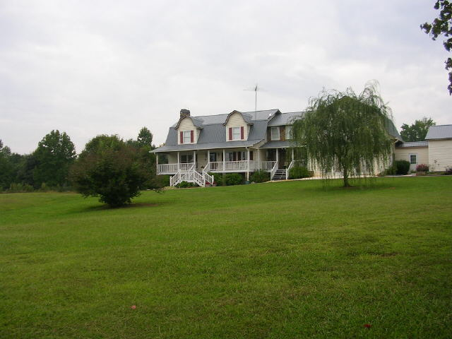 Photo of home for sale at 391 Ed Church Rd, Rockmart GA
