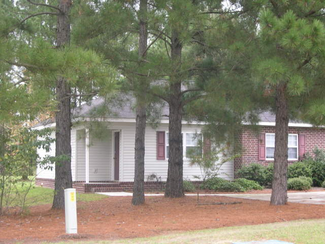 Photo of home for sale at 804 Jessica Ln, Statesboro GA
