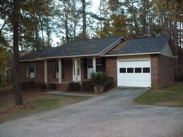 Photo of home for sale at 643 W Main St, Hogansville GA
