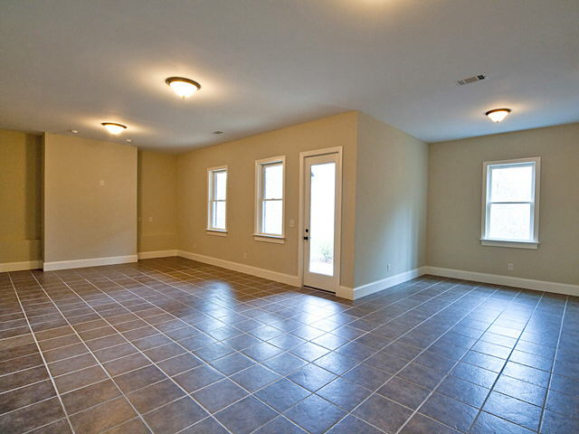 Photo of home for sale at 9047 Selborne Ln, Chattahoochee Hills GA
