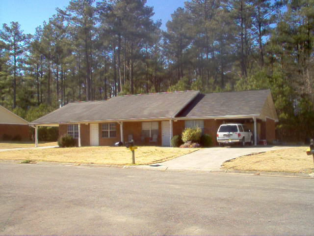 Photo of home for sale at 11 Oakcrest Trl, Rome GA