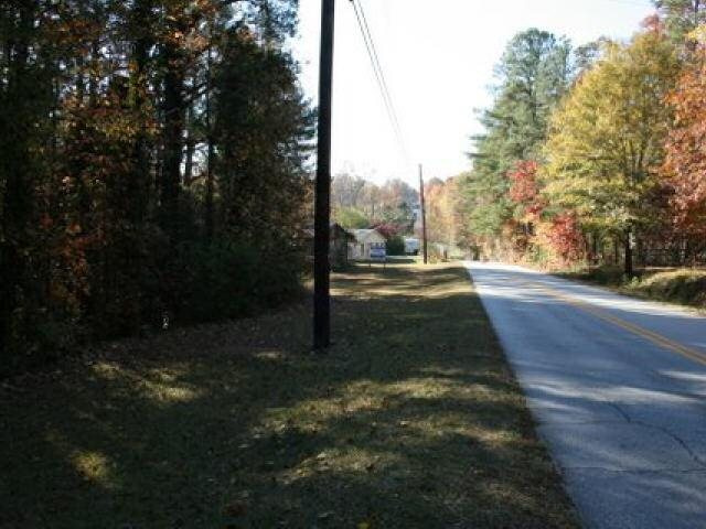 Photo of home for sale at 1141 Norton Rd, Conyers GA