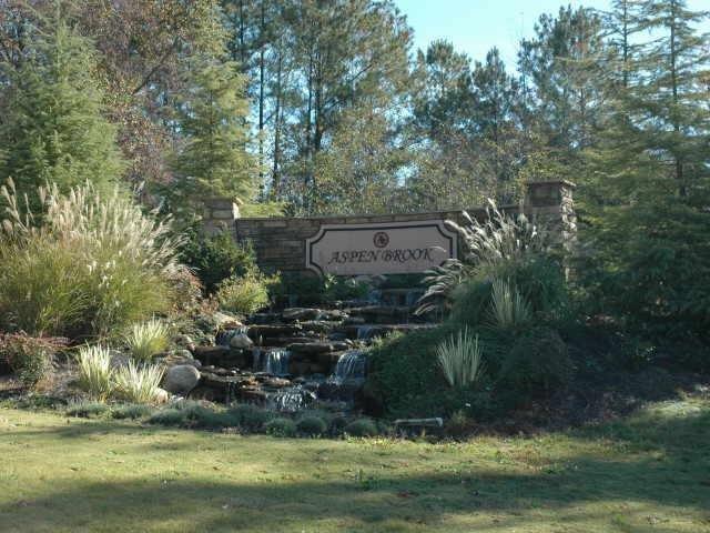 Photo of home for sale at 309 Travelers Peak Trl, Mcdonough GA
