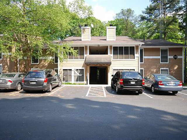 Photo of home for sale at 721 Summit North Dr, Atlanta GA