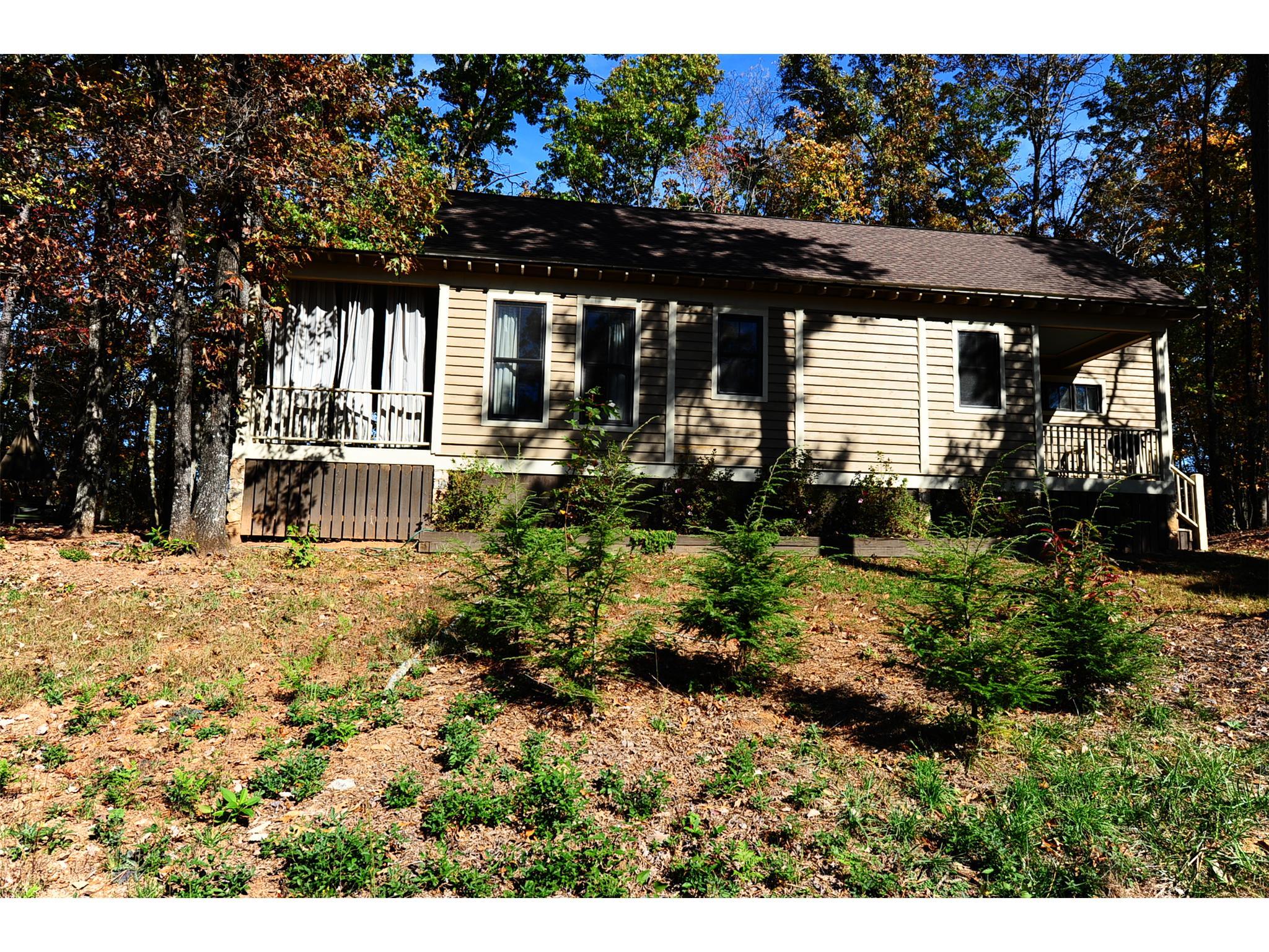 Photo of home for sale at 1570 Raper Mountain Rd, Clarkesville GA