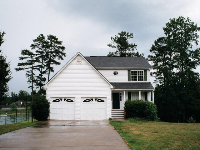 Photo of home for sale at 12264 Cypress Way, Fayetteville GA
