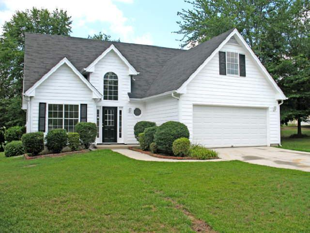Photo of home for sale at 2925 Shane Dr, Snellville GA