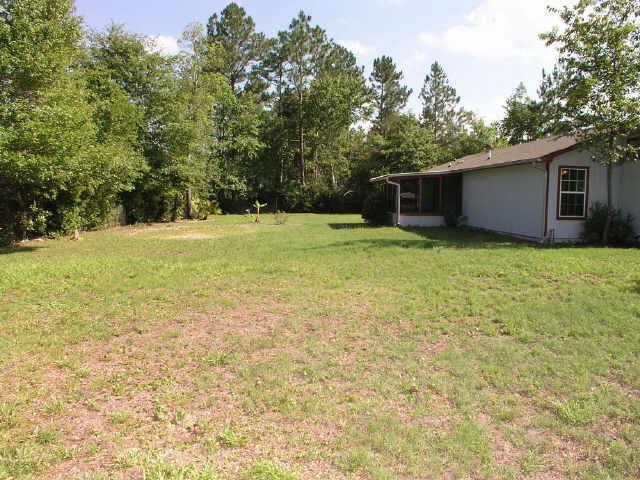 Photo of home for sale at 252 Kerry Pl, Kingsland GA