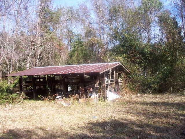 Photo of home for sale at 603 Bedell Ave, Woodbine GA