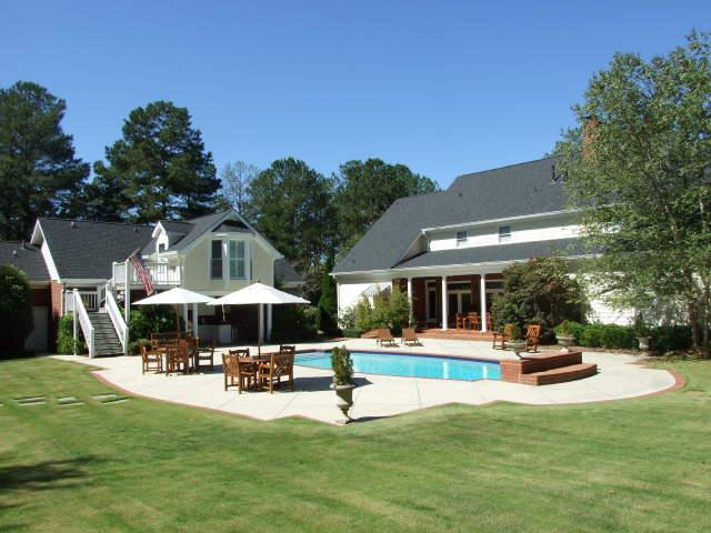 Photo of home for sale at 1351 Tanglebrook Dr, Athens GA