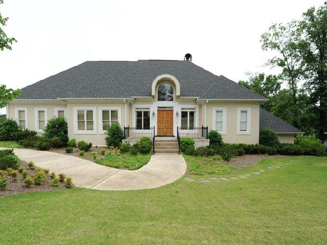 Photo of home for sale at 0 Jett Ferry Rd, Atlanta GA