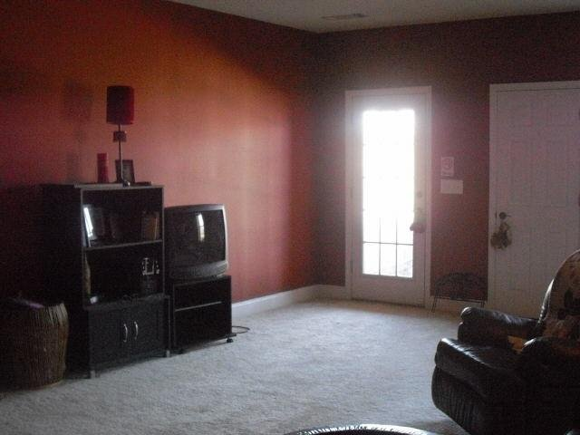 Photo of home for sale at 100 Brookview Pl, Oxford GA