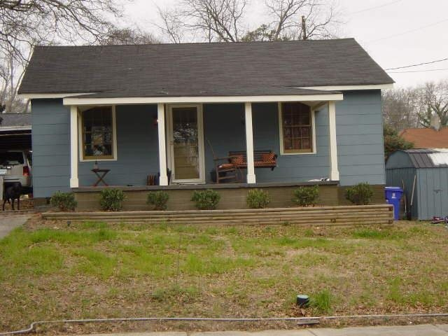 Photo of home for sale at 1060 Milstead Ave, Conyers GA