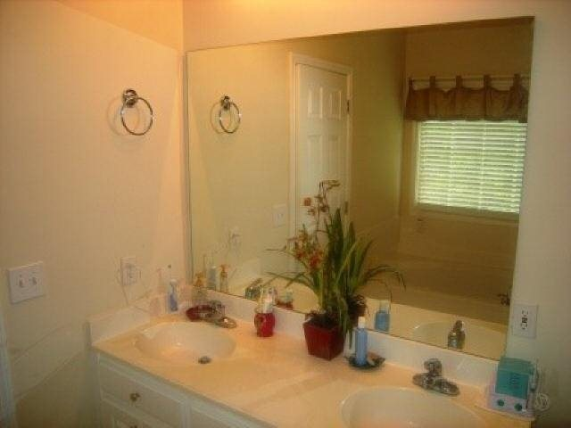 Photo of home for sale at 220 Grindle Bridge Rd, Dahlonega GA