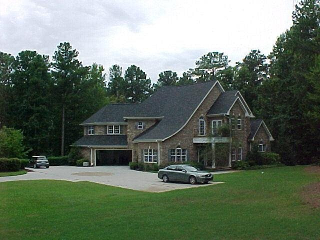 Photo of home for sale at 113 Oak Mountain Rd, Carrollton GA