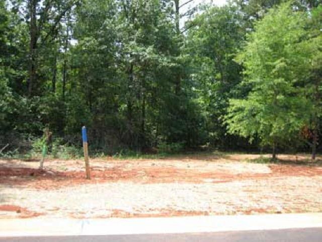 Photo of home for sale at 40 Tiffany Ln, Warner Robins GA