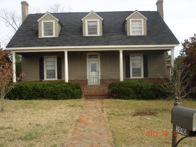 Photo of home for sale at 3940 Hwy 18, Molena GA