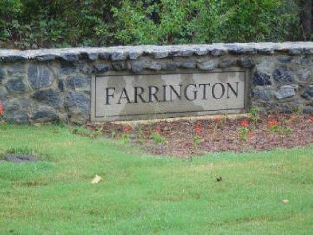 Photo of home for sale at 45 Farrington Dr, Forsyth GA