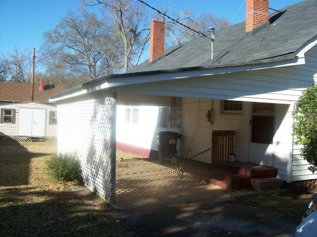 Photo of home for sale at 300 Lincoln St, Hogansville GA
