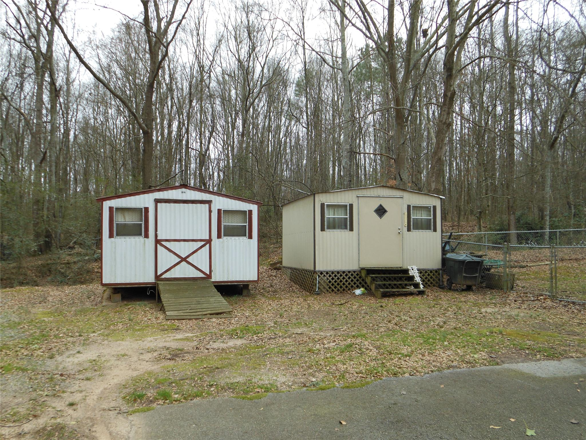 Photo of home for sale at 315 Pine Valley Dr, Royston GA
