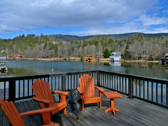 Photo of home for sale at 867 Bear Gap Rd, Lakemont GA