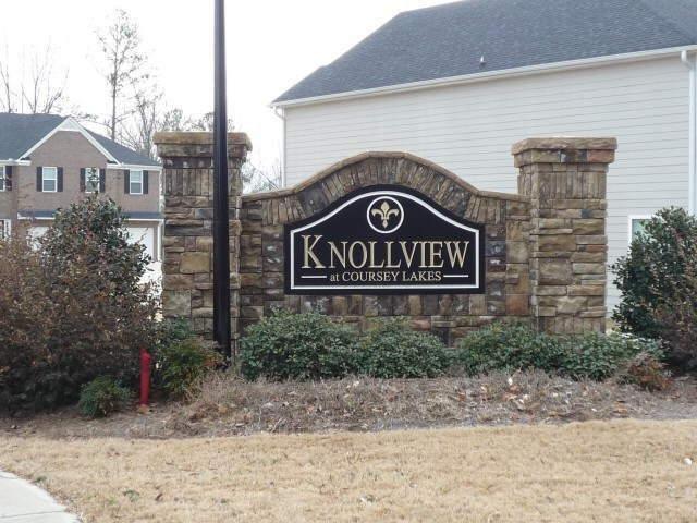 Photo of home for sale at 4566 Bellemeade Dr, Douglasville GA