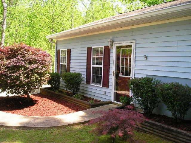 Photo of home for sale at 248 Mountain Brook Rd, Dawsonville GA