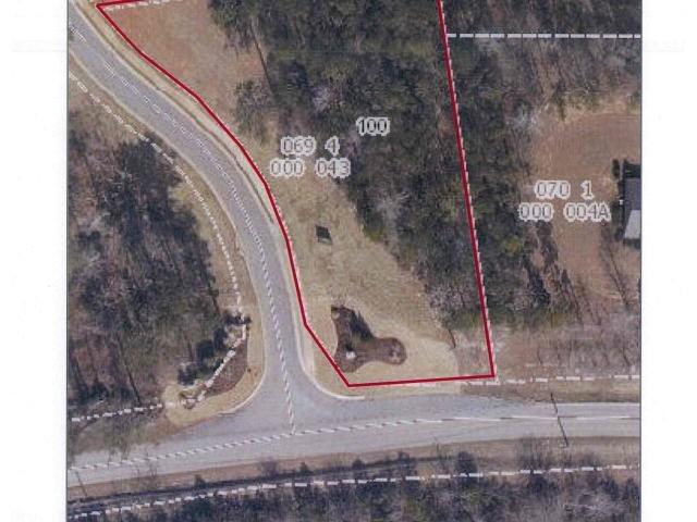 Photo of home for sale at 100 Morgan Dr, Lagrange GA