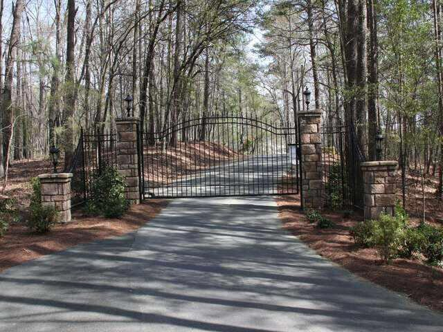 Photo of home for sale at 52 Webster Overlook Dr, Cartersville GA