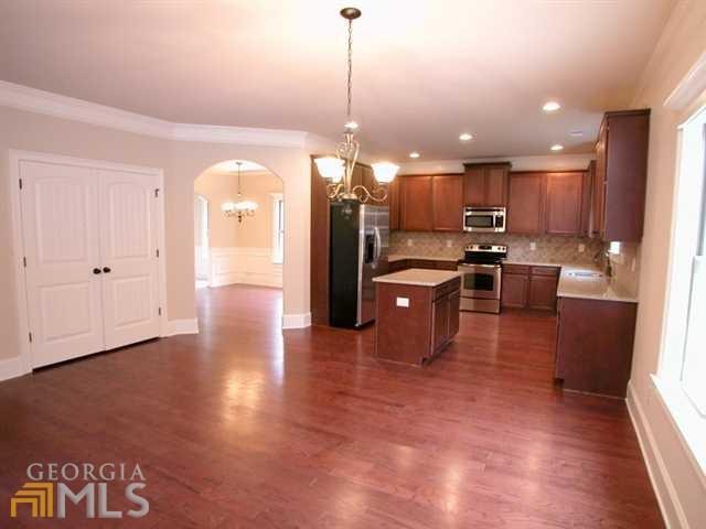 Photo of home for sale at 5472 Jamerson Dr, Atlanta GA