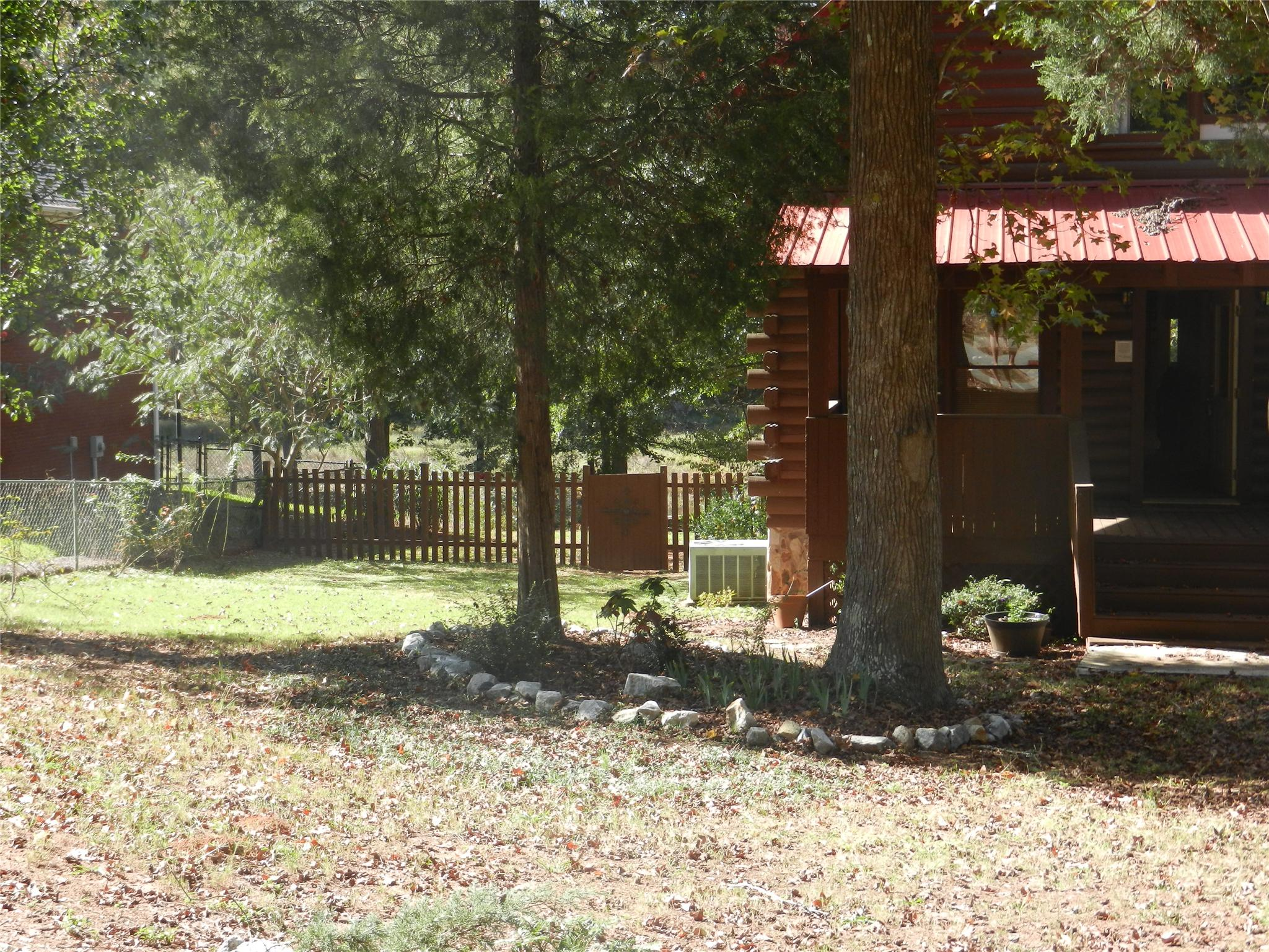 Photo of home for sale at 179 Parrot Dr, Monticello GA