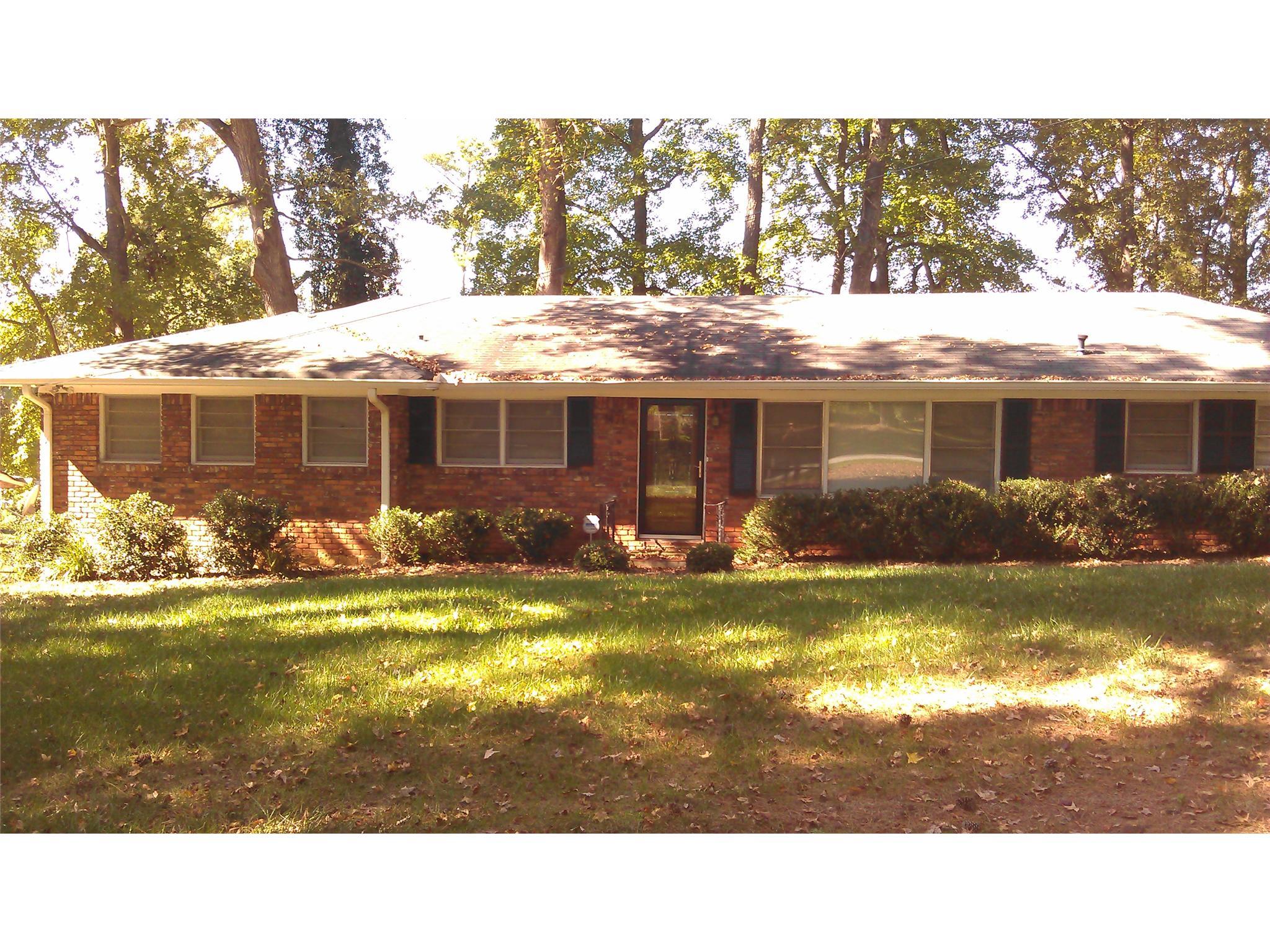 Photo of home for sale at 1471 New Hope Rd, Atlanta GA