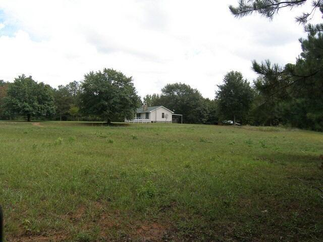 Photo of home for sale at 9 Fischer Spur Rd, Newnan GA