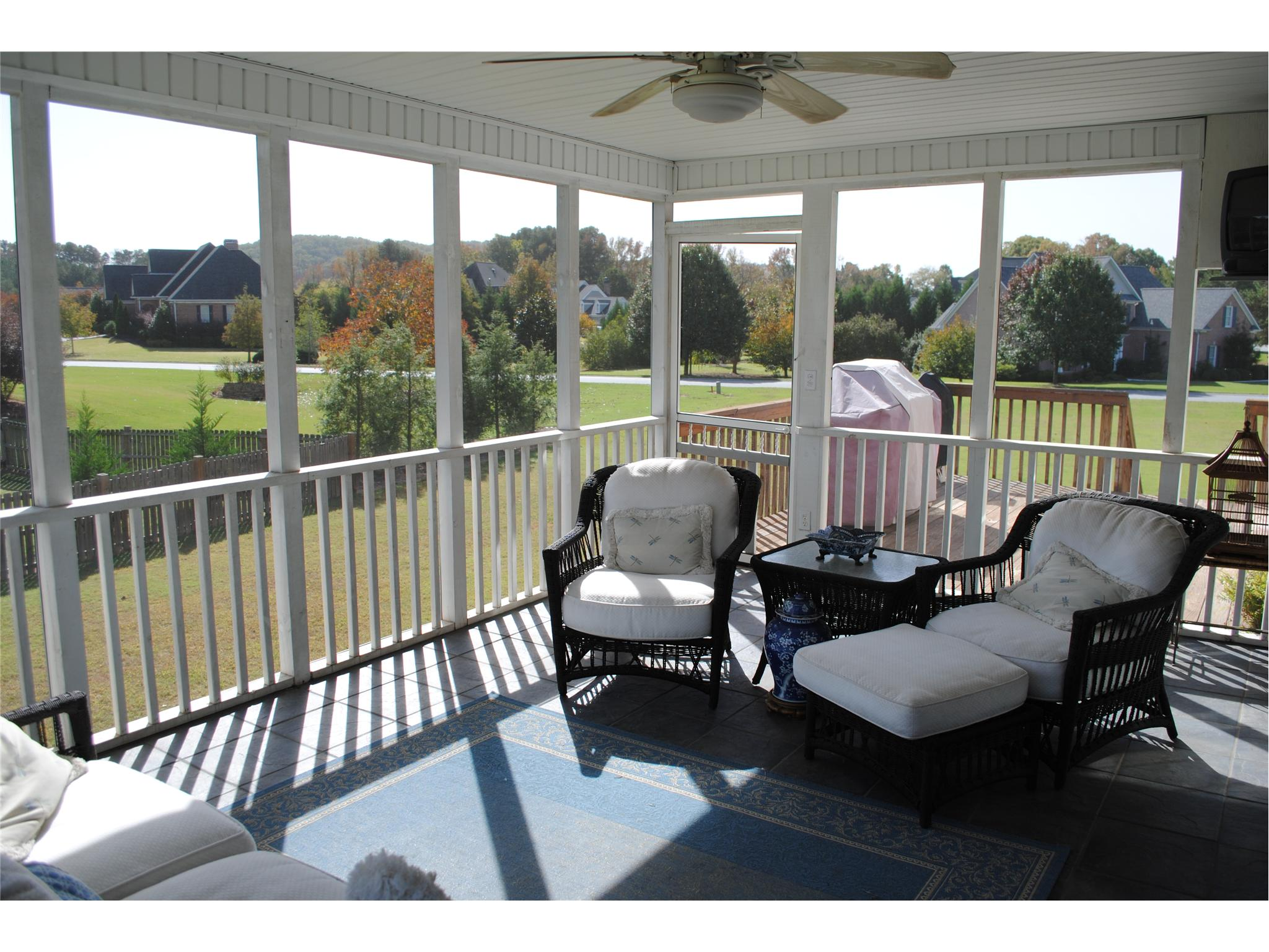 Photo of home for sale at 11 Starlight Dr, Cartersville GA