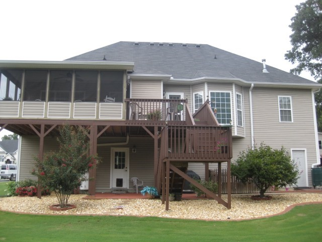 Photo of home for sale at 13 Berkshire Dr, Cartersville GA