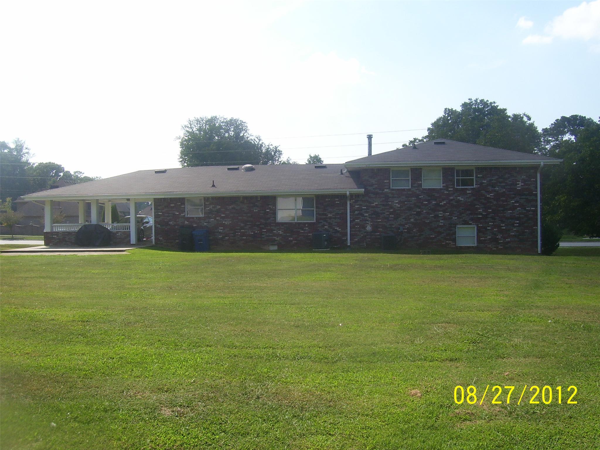 Photo of home for sale at 3881 Barrett Pkwy, Marietta GA
