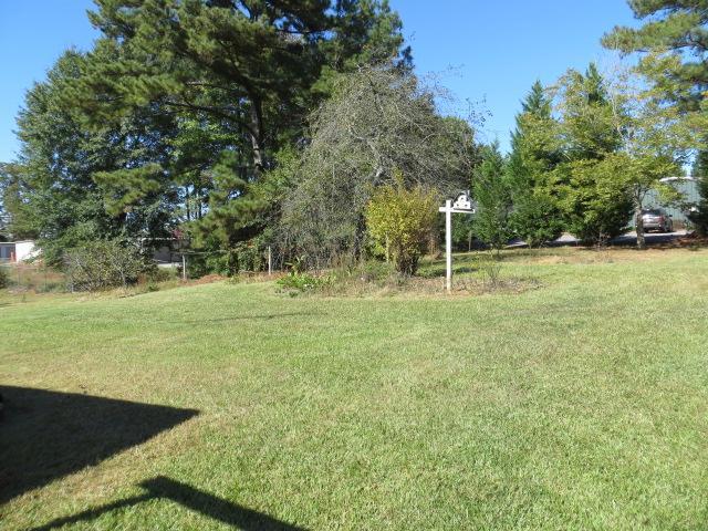 Photo of home for sale at 805 Kingsbridge Rd, Carrollton GA