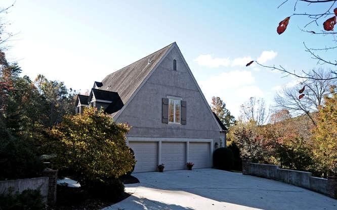 Photo of home for sale at 3315 Orchard Dr, Clarkesville GA