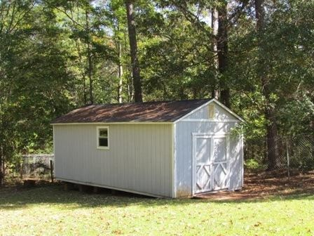 Photo of home for sale at 1695 Hidden Shoals Dr, Conyers GA