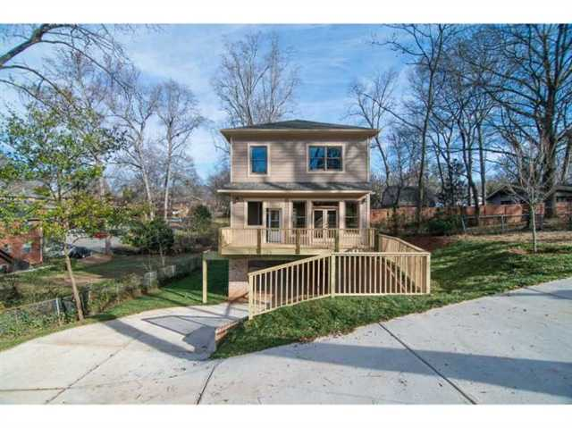 Photo of home for sale at 316 Lansdowne Ave, Decatur GA