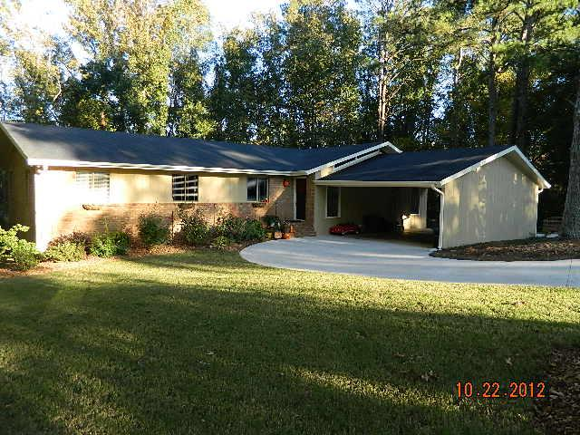 Photo of home for sale at 195 Curtis Way, Athens GA